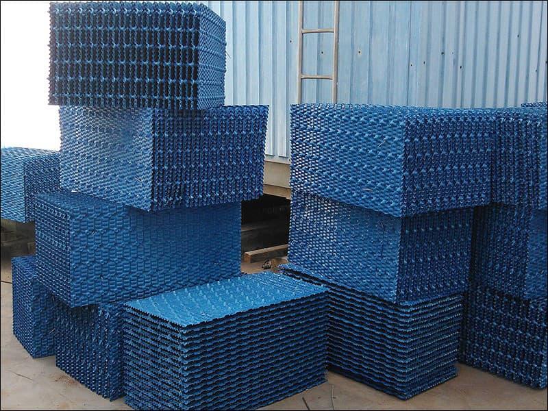 冷却塔更换填料及管道防锈